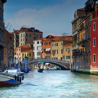 Venezia, canale veneziano, gondola