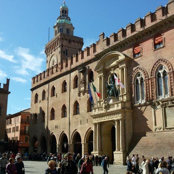 Bologna, Piazza Grande, Fontana del Nettuno, Palazzo Comunale