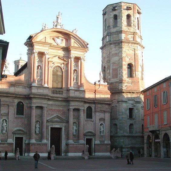 Basilica e Piazza di San Prospero, Reggio Emilia, Emilia Romagna, Italia