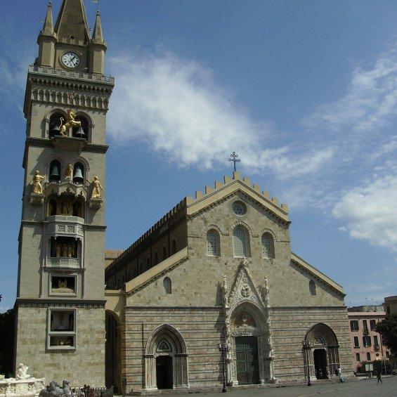 Duomo e Campanile di Messina, Sicilia, Italia