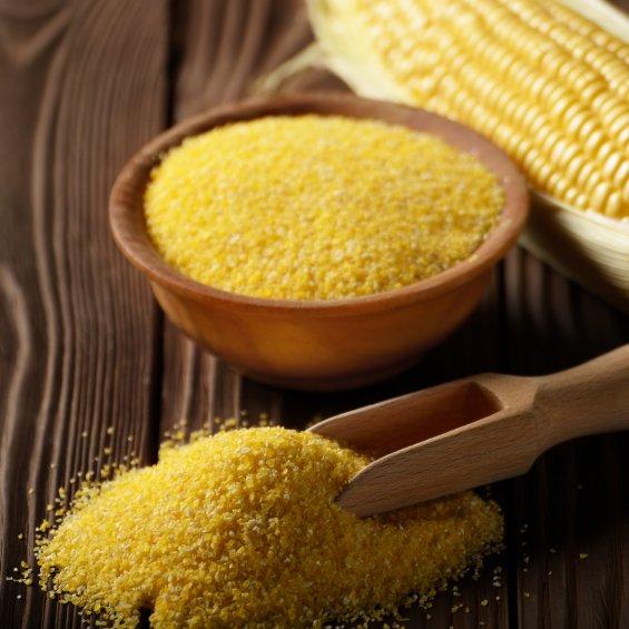 La polenta è un piatto tipico lombardo, provalo a Brescia