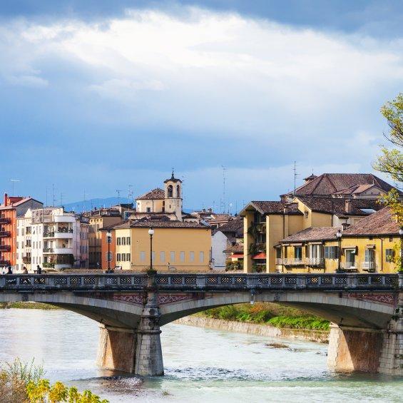 Ponte Verdi a Parma, Emilia Romagna, Italia