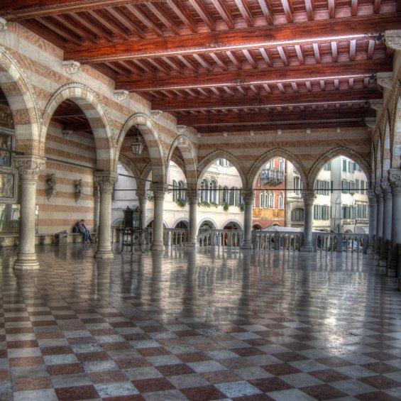 Loggia di Udine
